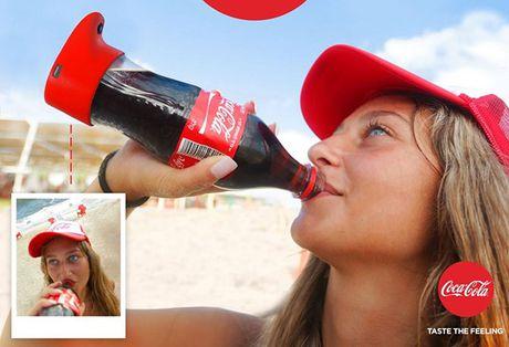 Coca-Cola gioi thieu chai nuoc ngot tu suong dau tien tren the gioi - Anh 1