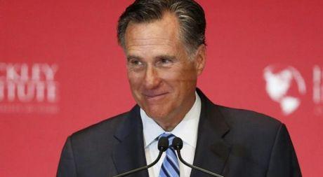 Gat xung dot, ong Donald Trump se chon Mitt Romney lam Ngoai truong My? - Anh 1