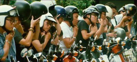 Clip hang chuc xe Honda Super Cub truy duoi nao loan pho Sai Gon - Anh 3