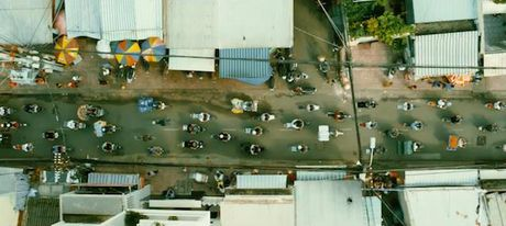 Clip hang chuc xe Honda Super Cub truy duoi nao loan pho Sai Gon - Anh 4