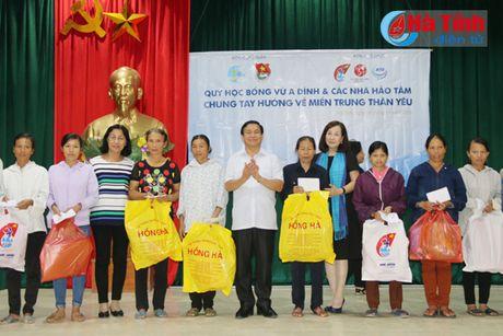 Nguyen Pho Chu tich nuoc Truong My Hoa tham ba con vung lu Ha Tinh - Anh 3