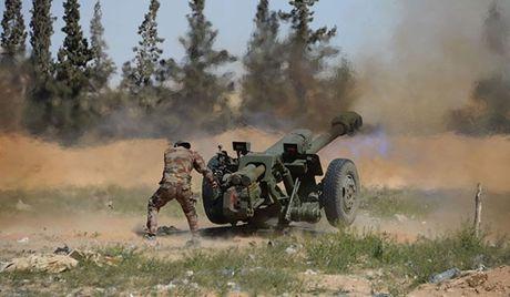 Quan doi Syria tiep tuc danh sau vao thi tran then chot Tay Ghouta - Anh 1