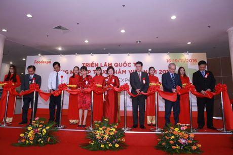 Thu truong Ho Thi Kim Thoa du Trien lam Vietnam Foodexpo 2016 - Anh 3