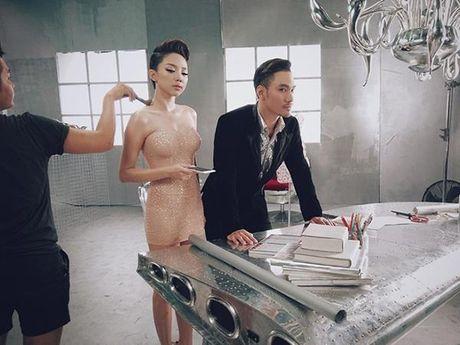 Bi chup len hau truong trang diem, sao Viet van dep rang ngoi - Anh 8
