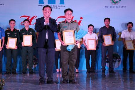 Dak Nong: Soi noi Hoi thi Tuyen truyen vien An toan giao thong - Anh 2