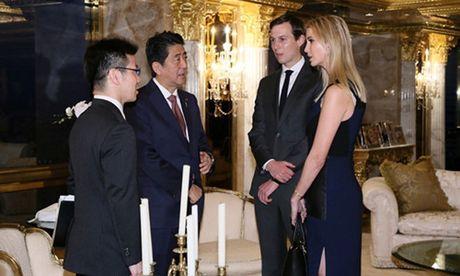 Con gai Trump ngoi hop cung cha va thu tuong Nhat Ban - Anh 1