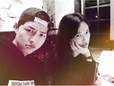 Song Joong Ki - Song Hye Kyo: Xac nhan di, ca hai dang hen ho dung khong? - Anh 10