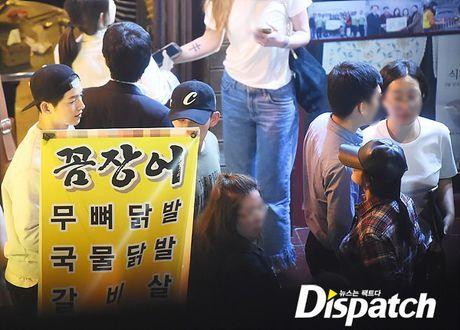 Song Joong Ki - Song Hye Kyo: Xac nhan di, ca hai dang hen ho dung khong? - Anh 2