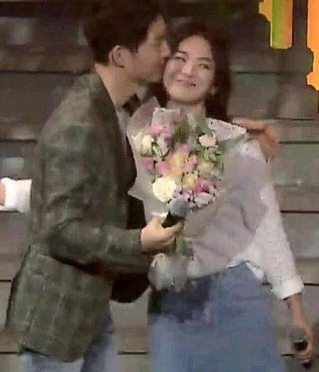 Song Joong Ki - Song Hye Kyo: Xac nhan di, ca hai dang hen ho dung khong? - Anh 7