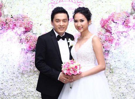 'Anh Hai' Lam Truong hanh phuc khoe vo 9x da mang bau 6 thang - Anh 1