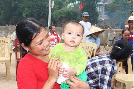 Cong doan Teakwang Vina trao hon 1 ty dong cho nguoi dan vung lu lut mien Trung - Anh 10