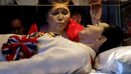 Philippines an tang nha doc tai Marcos tai nghia trang anh hung - Anh 1