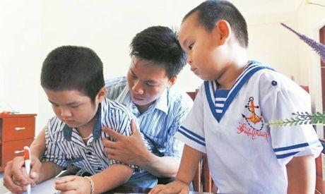 Thay giao tre va quyet tam day hoc o dao Song Tu Tay - Anh 1