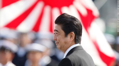 Ong Abe gap Trump: Trao doi 'thang than', se gap nhau them - Anh 1