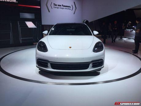 Porsche Panamera ban keo dai trinh lang - Anh 2