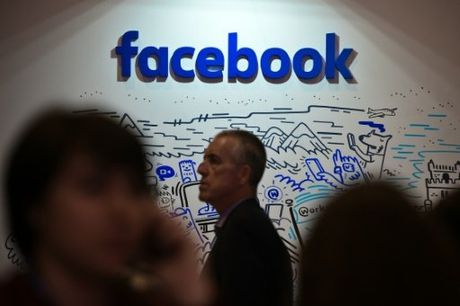 My dung Facebook lam vu khi chong IS - Anh 1