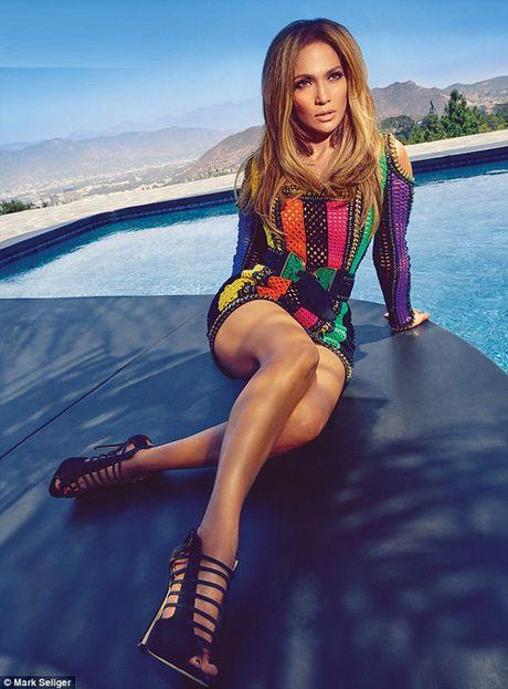 Ca si Jennifer Lopez khoe duong cong boc lua - Anh 2