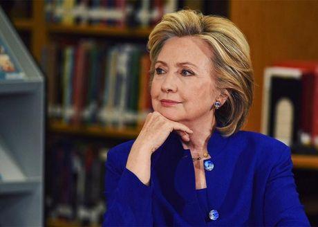 Tro ve la nguoi phu nu binh thuong, ba Clinton xuat hien khong trang diem sac lanh sau that bai - Anh 2