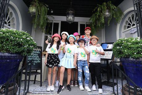 Noo Phuoc Thinh cung hoc tro cung hao hung vui choi Thai Lan - Anh 1
