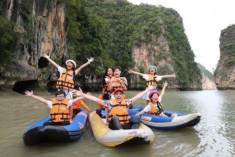 Noo Phuoc Thinh cung hoc tro cung hao hung vui choi Thai Lan - Anh 9
