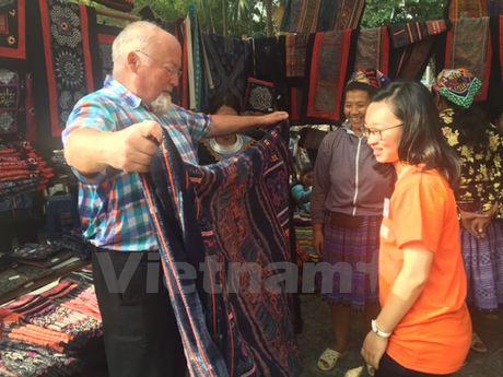 'Cho' cac san pham thu cong truyen thong giua thu do Ha Noi - Anh 2