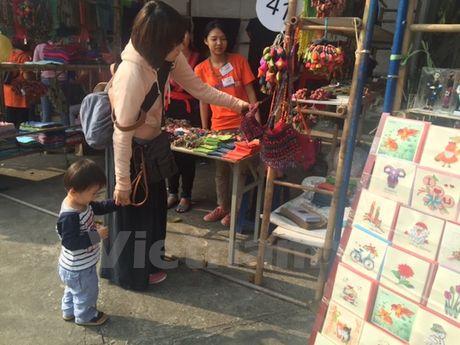 'Cho' cac san pham thu cong truyen thong giua thu do Ha Noi - Anh 4