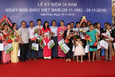 Pho Thu tuong xuc dong khi du ky niem Ngay Nha giao Viet Nam - Anh 8