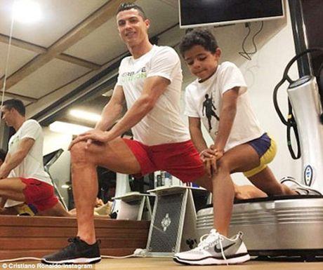 HAU TRUONG (19.11): Ronaldo nen tim noi 'duong gia' - Anh 7