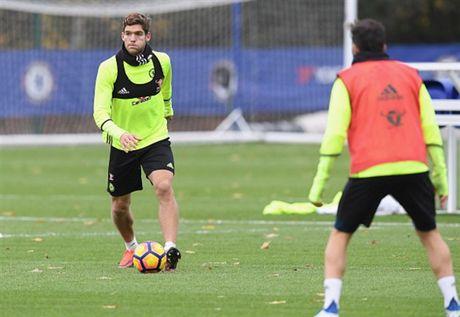 Diego Costa tro lai tap luyen truoc chuyen lam khach toi Middlesbrough - Anh 6