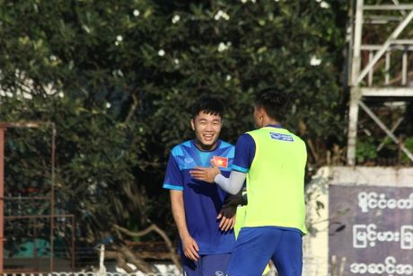 DTQG Viet Nam vui dua truoc tran mo man AFF Cup 2016 - Anh 13