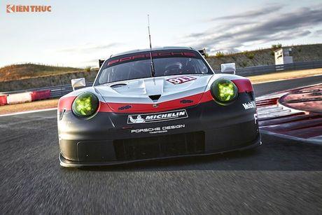 Sieu xe dua 'khung' Porsche 911 RSR thong tri duong dua 2017 - Anh 2