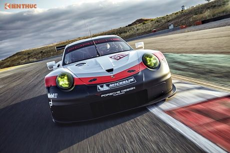 Sieu xe dua 'khung' Porsche 911 RSR thong tri duong dua 2017 - Anh 8
