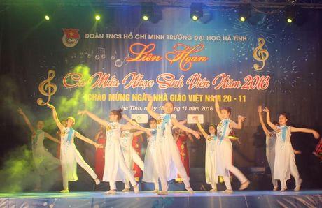 Dai hoc Ha Tinh voi dem hoi Tieng hat tri an - Anh 1