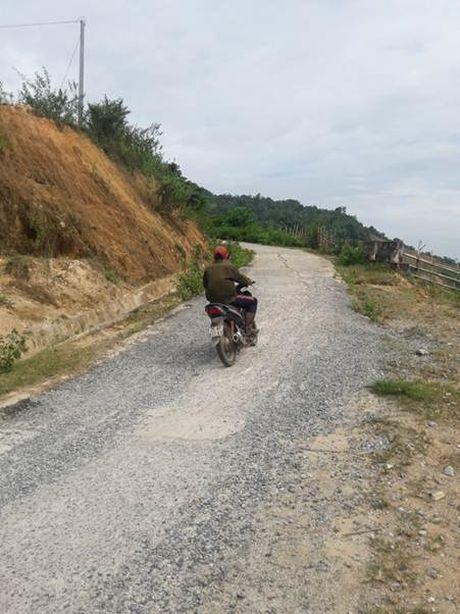 Lai Chau: Xay truong bo hoang, khu tai dinh cu xuong cap - Anh 4