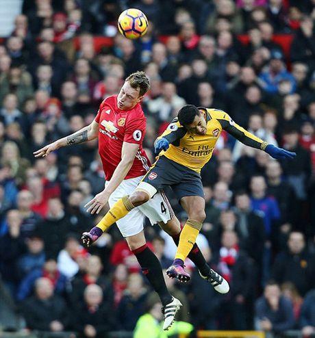 M.U 1-1 Arsenal: 'Phao thu' goi ten Oliver Giroud - Anh 12