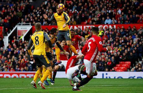 M.U 1-1 Arsenal: 'Phao thu' goi ten Oliver Giroud - Anh 3