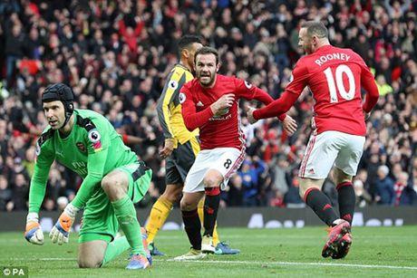 M.U 1-1 Arsenal: 'Phao thu' goi ten Oliver Giroud - Anh 5
