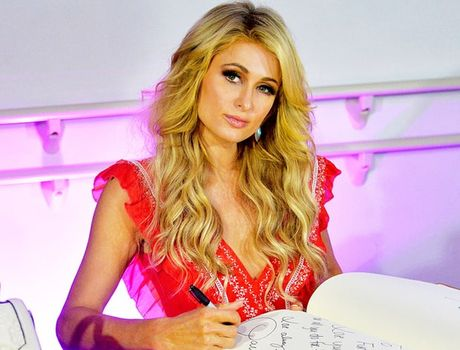 Paris Hilton tiet lo bo phieu cho Donald Trump - Anh 1