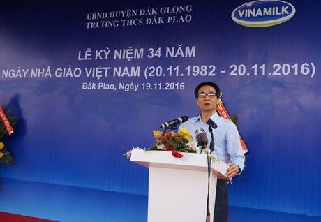 Pho Thu tuong Vu Duc Dam: Du thieu thon nhung giao vien khong than kho - Anh 1
