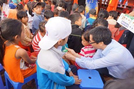 Pho Thu tuong Vu Duc Dam: Du thieu thon nhung giao vien khong than kho - Anh 3