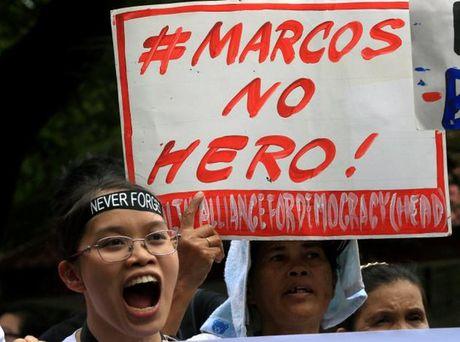 Philippines: Bieu tinh phan doi vinh danh nha doc tai Marcos - Anh 5