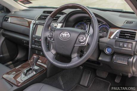 Gia 778 trieu dong tai Malaysia, Toyota Camry nang cap 2016 sap ve Viet Nam? - Anh 1