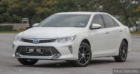 Gia 778 trieu dong tai Malaysia, Toyota Camry nang cap 2016 sap ve Viet Nam? - Anh 2