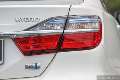 Gia 778 trieu dong tai Malaysia, Toyota Camry nang cap 2016 sap ve Viet Nam? - Anh 5