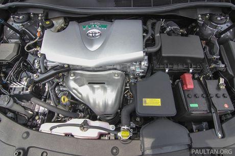 Gia 778 trieu dong tai Malaysia, Toyota Camry nang cap 2016 sap ve Viet Nam? - Anh 6