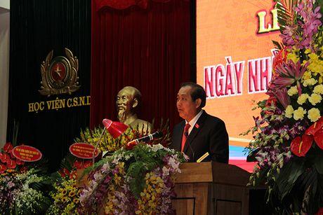 Pho thu tuong Truong Hoa Binh du Le Mit tinh ky niem Ngay Nha giao Viet Nam tai Hoc vien CSND - Anh 2