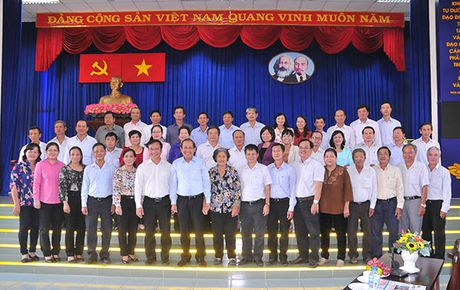 Pho Thu tuong Thuong truc Truong Hoa Binh gap mat cuu can bo MTTQ TP Ho Chi Minh - Anh 4