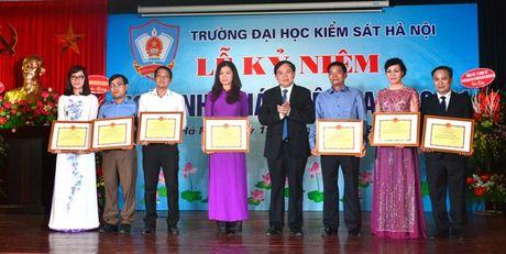 Truong Dai hoc Kiem sat Ha Noi ky niem ngay Nha giao Viet Nam - Anh 4