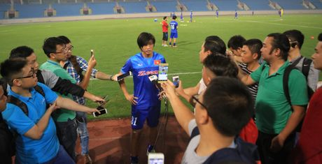 Bi loai khoi AFF Cup: Tuan Anh va tro dua cua so phan - Anh 3