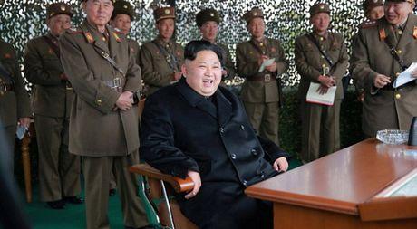 Lanh dao Trieu Tien Kim Jong-un duoc 130 bac si bao ve suc khoe - Anh 1